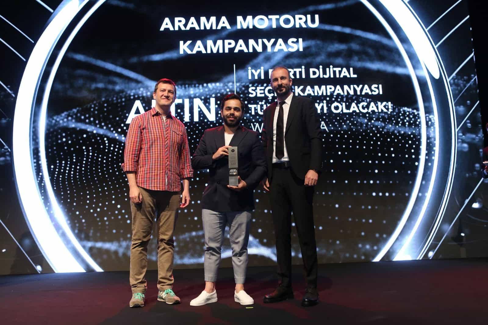 Social Media Awards Jüri Altın Ödülü